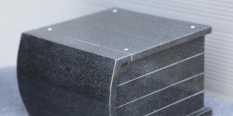 granieten-urnen